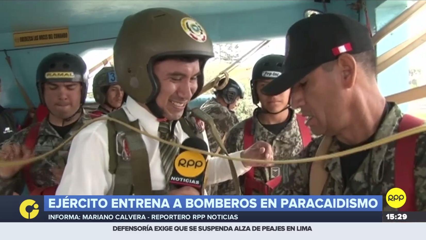 Reportero de RPP salta junto a bomberos que se entrenan en paracaidismo.