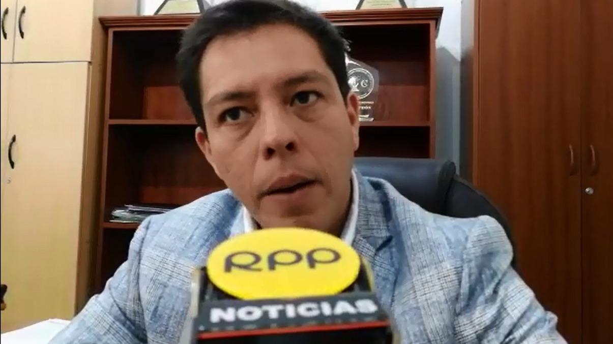 El decano del Colegio de Abogados de La Libertad, Manuel Montoya, pidió calma al Estado para no justificar el pedido de asilo de Hinostroza en España por persecución política.