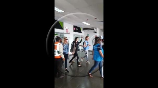 Así fue la llegada de Angelina Jolie a Tumbes.