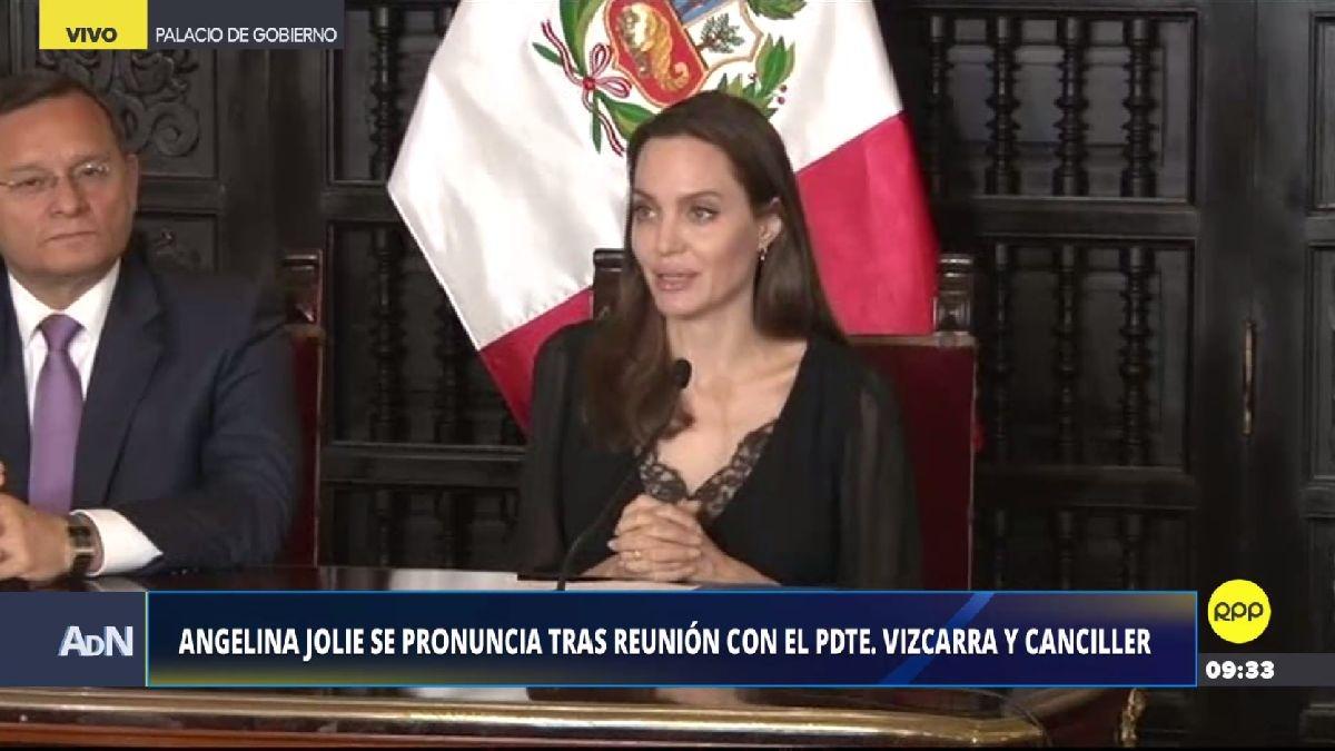 Angelina Jolie ofreció una conferencia de prensa tras reunirse con Martín Vizcarra.
