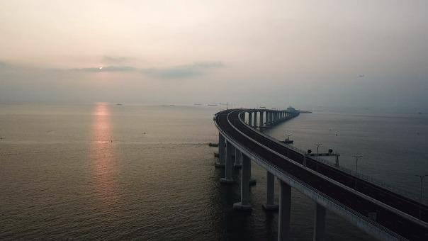 China inauguró el colosal puente.