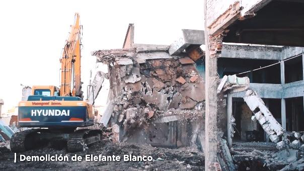 Así fue la demolición del 'Elefante Blanco'.