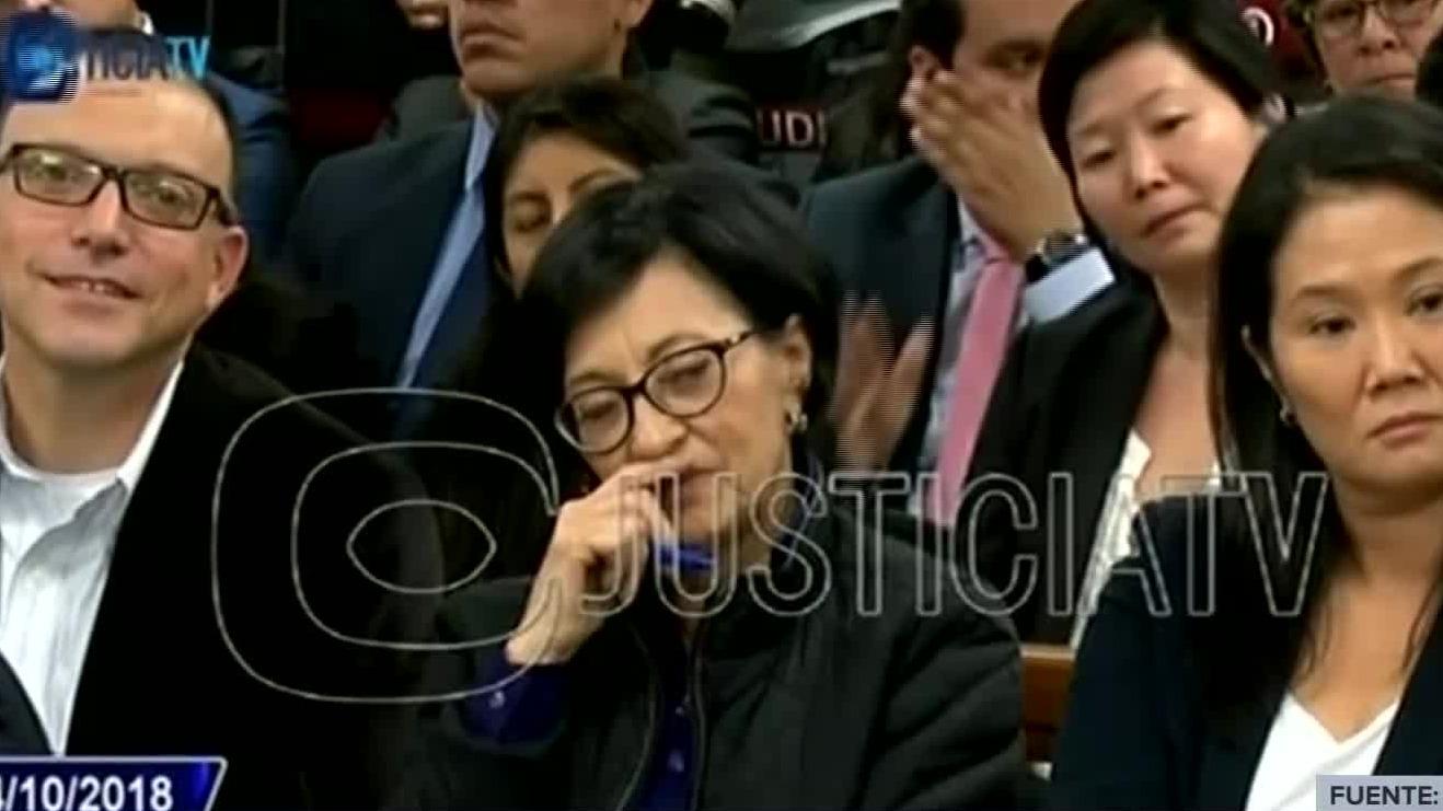 El fiscal Domingo Pérez pausó su intervención por un momento.