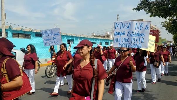 Obstetras se movilizaron en Chiclayo.