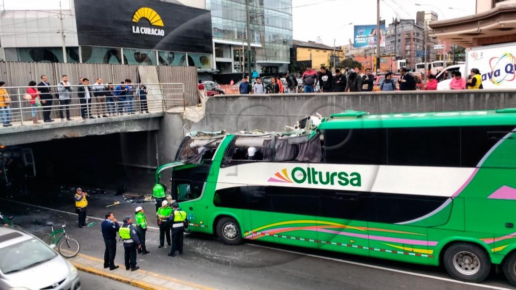 Tres personas resultaron heridas por el accidente.
