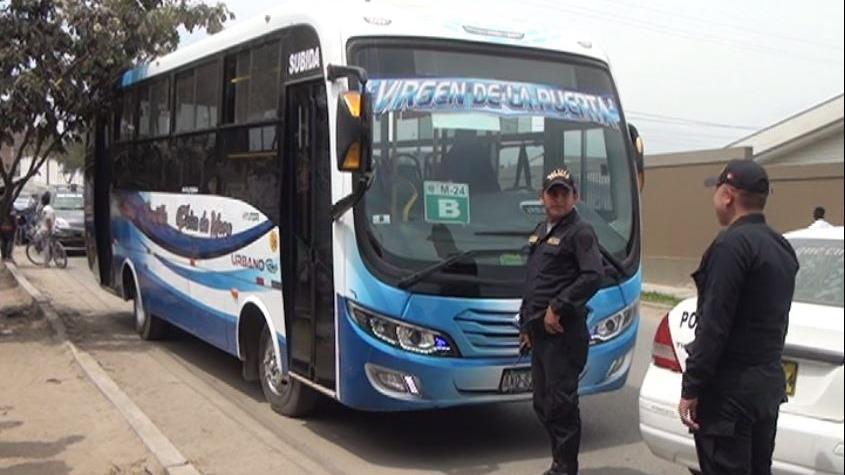 Microbús cuenta con cámaras de seguridad. Las imágenes servirán a la Policía y a la Fiscalía para la identificación de los asesinos.