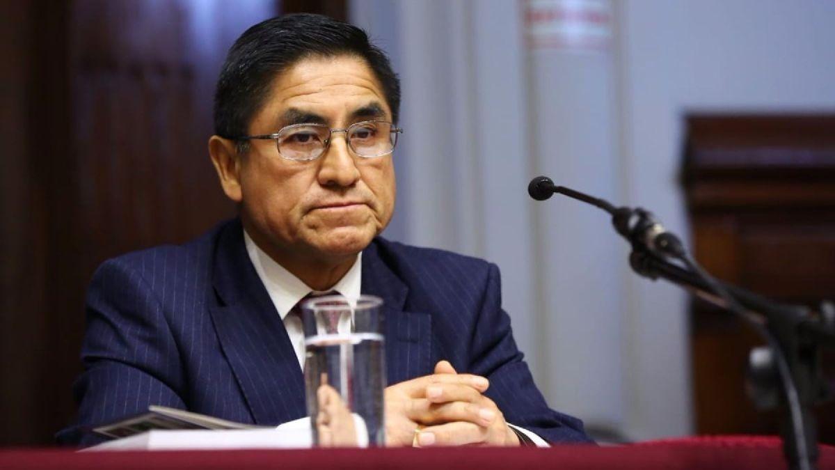 William Paco Castillo conversó con RPP Noticias sobre su renuncia a la defensa legal de César Hinostroza.