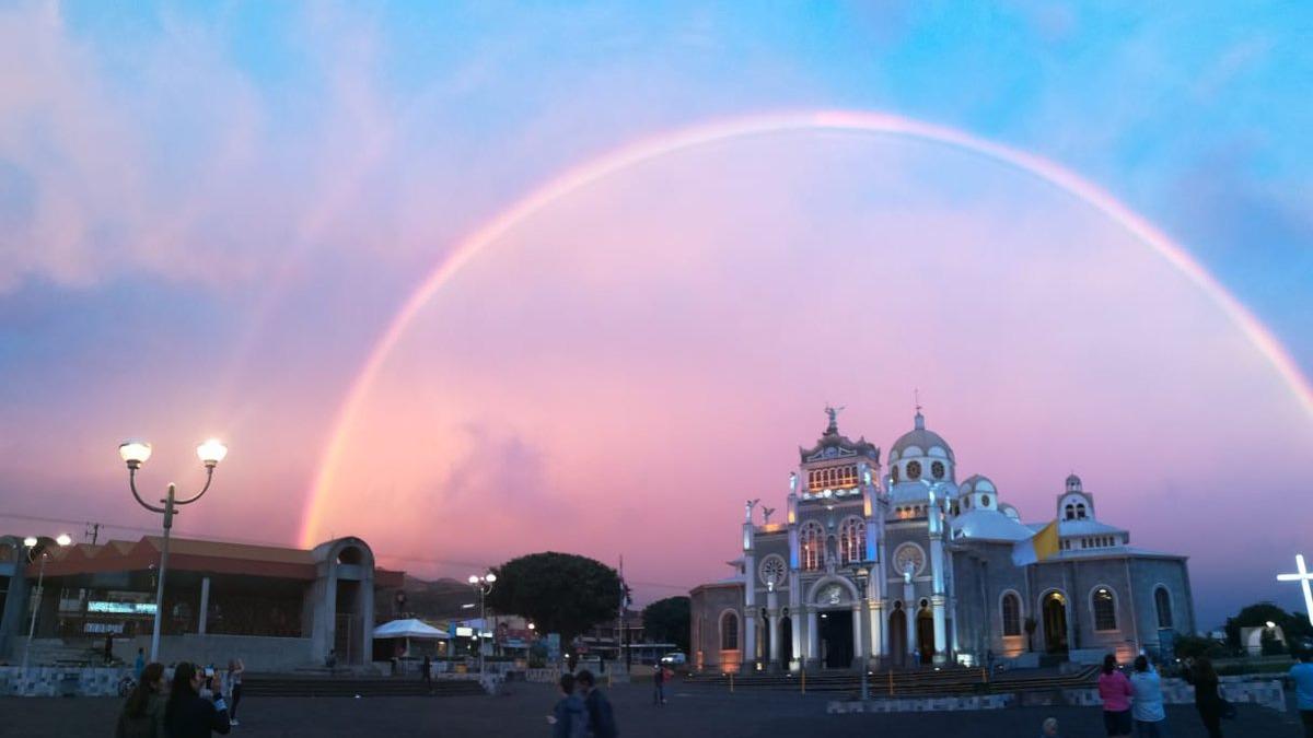 El arcoíris se formó la tarde del último viernes.