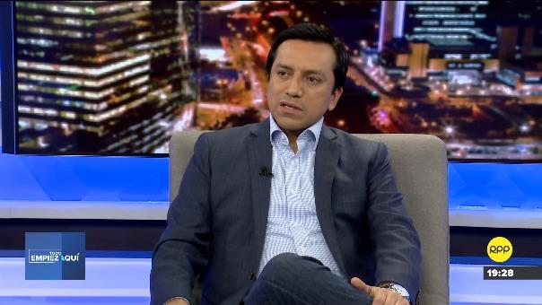 Gilbert Violeta criticó que el fiscal José Domingo Pérez haya dado declaraciones contra el fiscal de la Nación Pedro Chávarry, al final de la audiencia contra Keiko Fujimori.