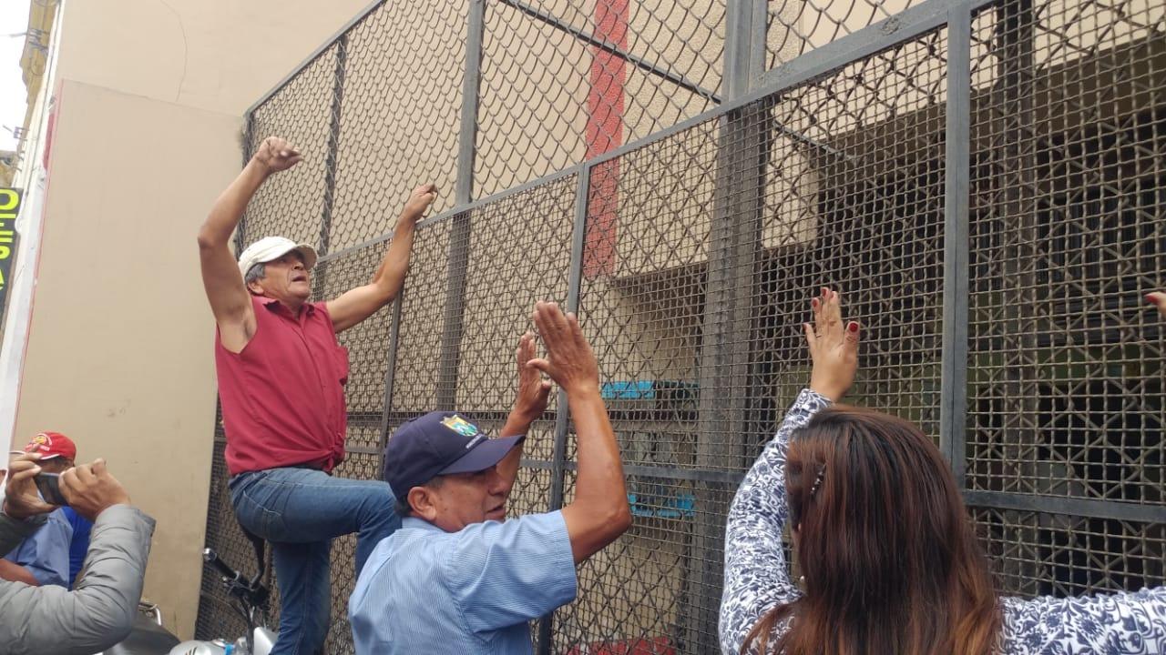 Protesta en las salas civiles de Chiclayo.