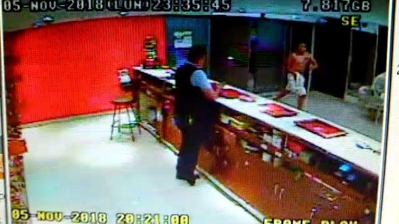 Las cámaras de seguridad captaron la huida del sospechoso del asesinato de 'Jota'.