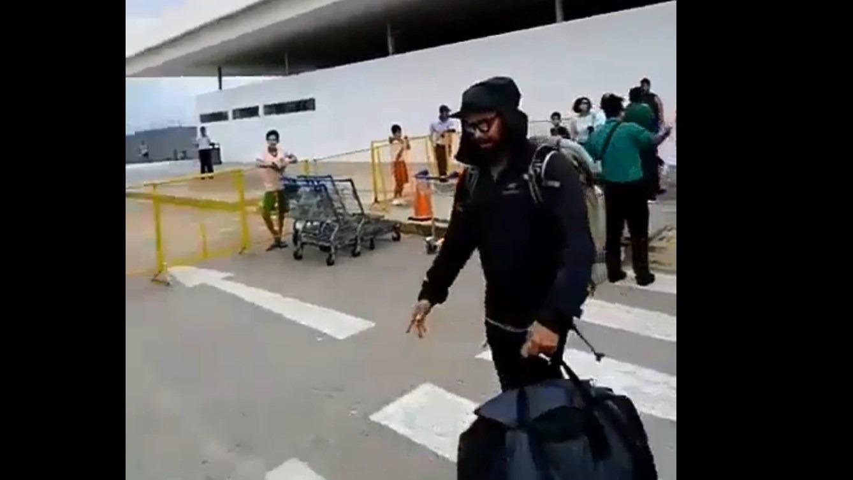 Así fue la llegada del actor a Iquitos.