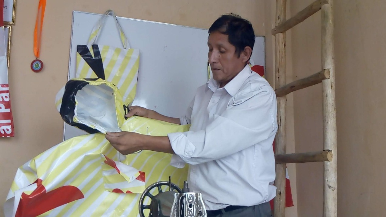 Félix Rodríguez espera que esta iniciativa sea imitada para evitar el impacto ambiental que producen los banners.