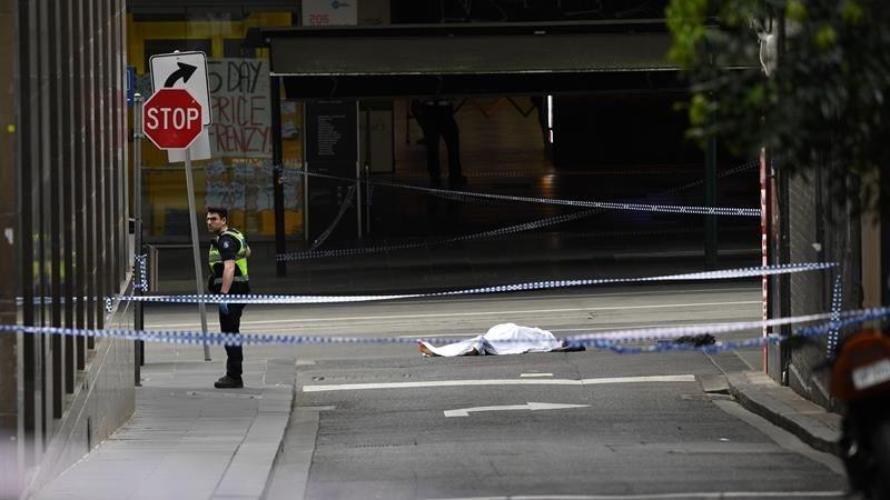 El atacante fue abatido por la Policía australiana, que investiga el caso como un acto terrorista.