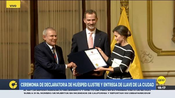 Ceremonia de entrega de distinciones en el Palacio Municipal