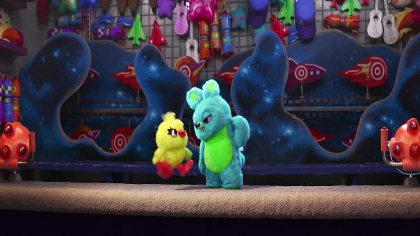 Al final del video aparecen los personajes clásicos de Toy Story.