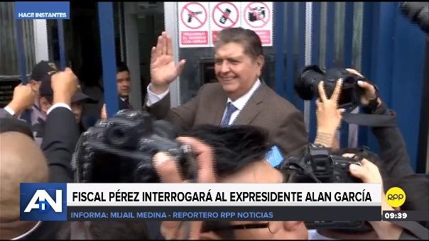 Expresidente acude al Ministerio Público para declarar por caso Metro de Lima.