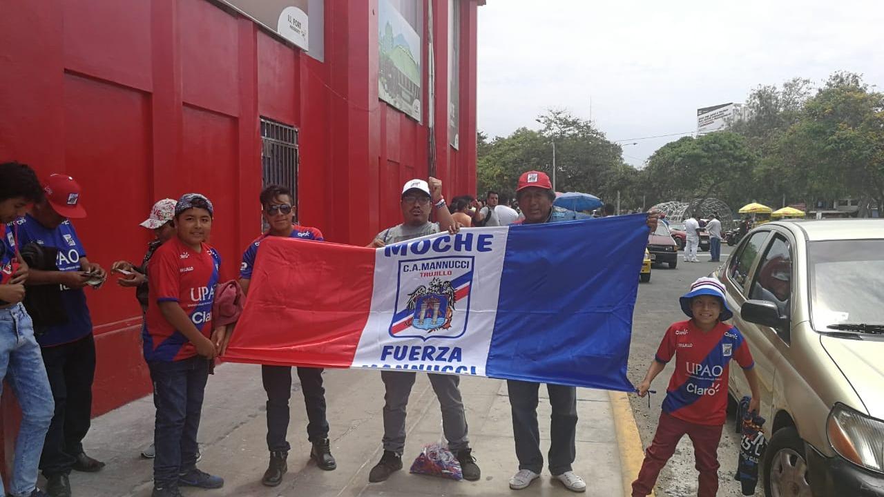 Los hinchas de Mannucci llegan de varias ciudades de La Libertad
