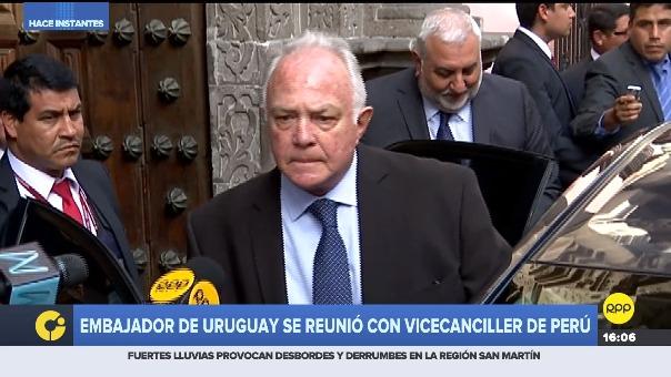 Embajador de Uruguay acudió a la Cancillería.