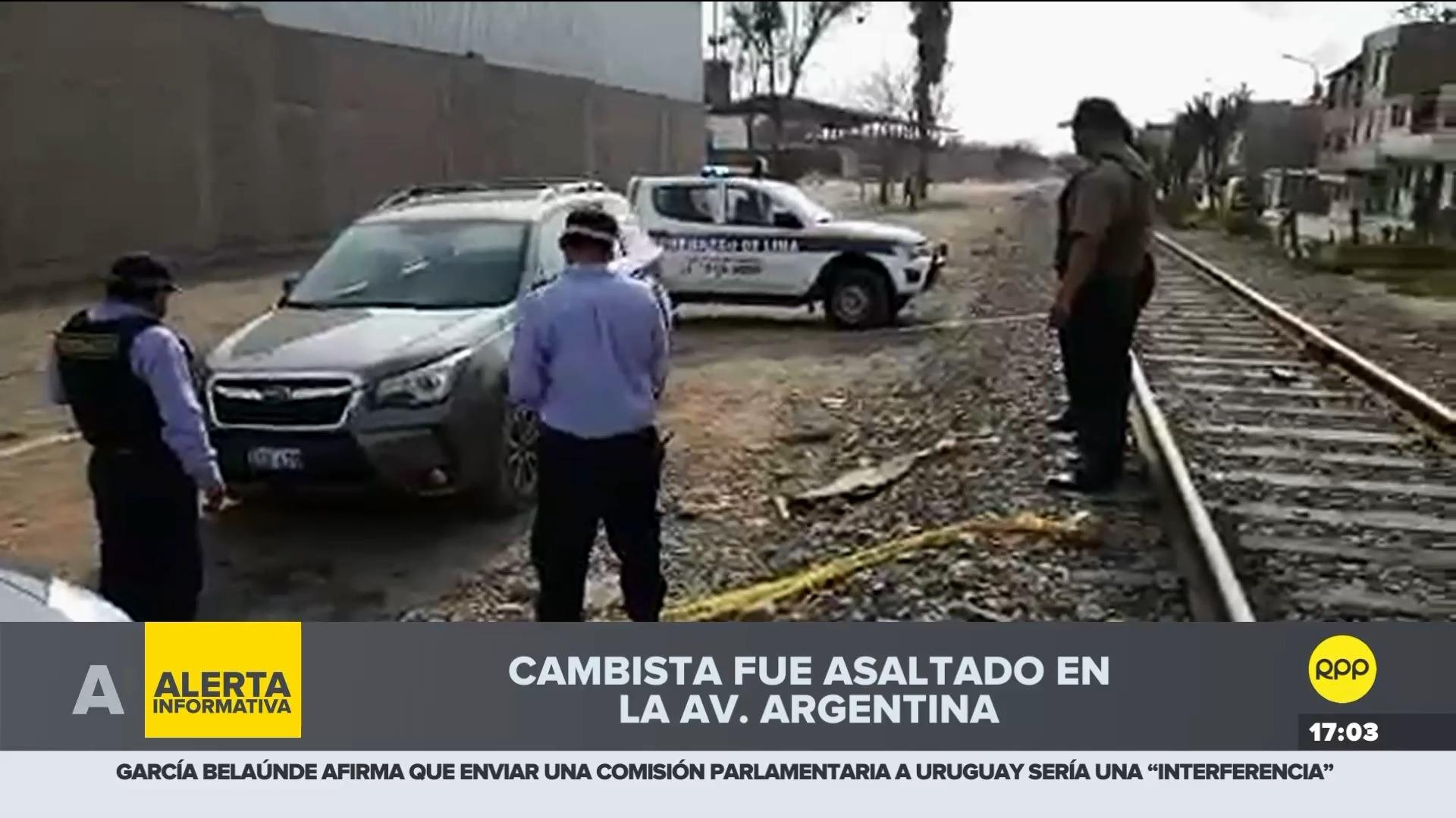 El cambista asaltado fue trasladado a la comisaría de Mirones para que dé su manifestación.