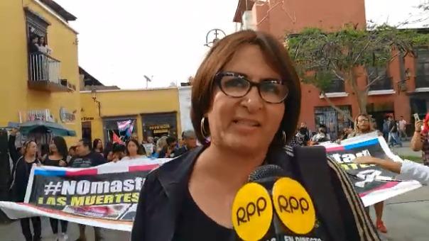 La regidora transgénero del distrito La Esperanza, Luisa Revilla, pidió al Poder Judicial sancionar a los responsables de los crímenes.