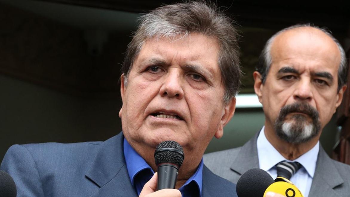 El periodista Fernando Vivas dio su opinión sobre el pedido de asilo de Alan García.