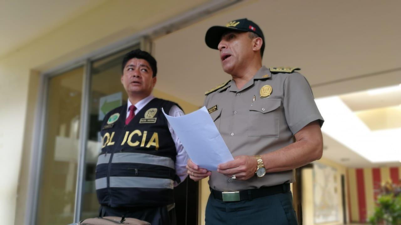 El general PNP César Vallejos no descarta que hayan sido cuatro los asaltantes.