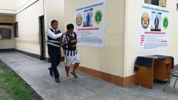 Dos de los asaltantes fueron detenidos en el complejo policial Alcides Vigo de la urbanización San Andrés.