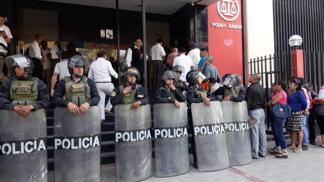 Contingente policial resguardó Corte de Lambayeque
