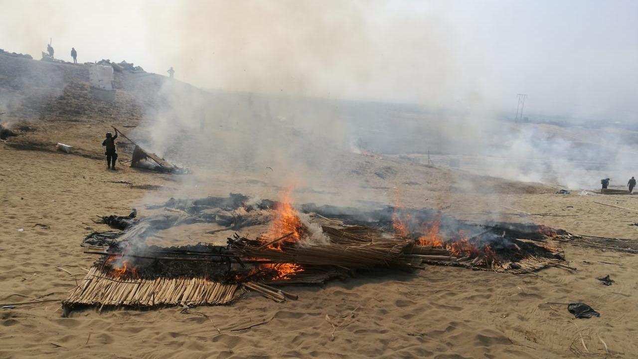 Usurpadores fueron retirados de los arenales en Laredo.