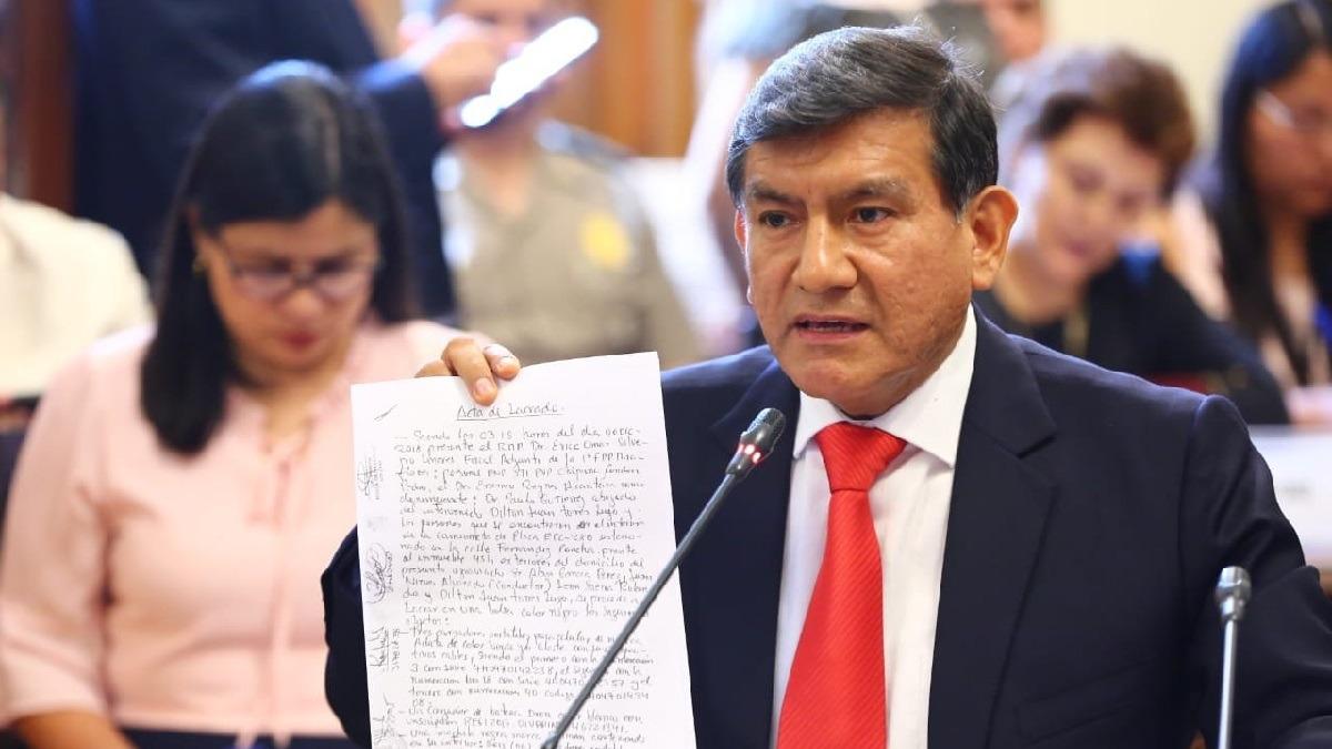 El ministro Morán se presentó ante una comisión del Congreso.