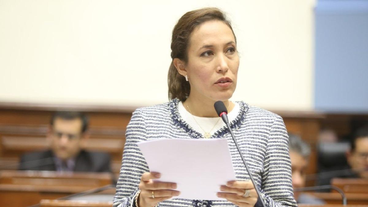 Congresista denunció haber sido víctima de acoso.