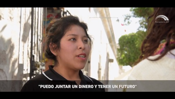 Leslie Sarmiento, joven arequipeña, no conocía sobre el Sistema Privado de Pensiones; sin embargo, cuando se informó al respecto, vio en ella una posibilidad para planear y mejorar su futuro.