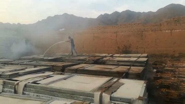Trabajadores de la municipalidad pudieron controlar el fuego.
