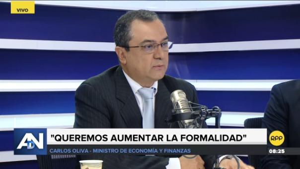 Ministro Carlos Oliva.
