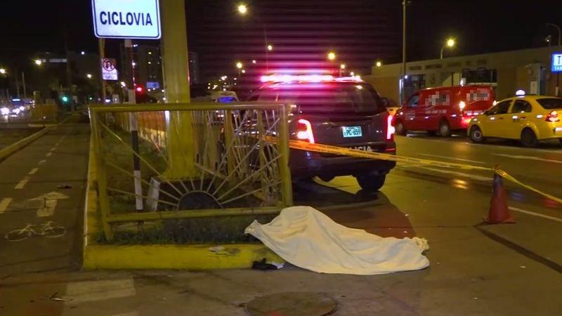 El accidente ocurrió debido a que el motociclista intentó ganarle a la luz del semáforo.