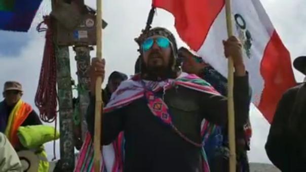 Elmer Cáceres Llica, gobernador regional elector de Arequipa, llegó hoy a la cumbre del volcán Misti