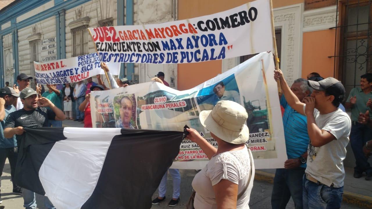 Protesta de trabajadores de empresa Pucalá.