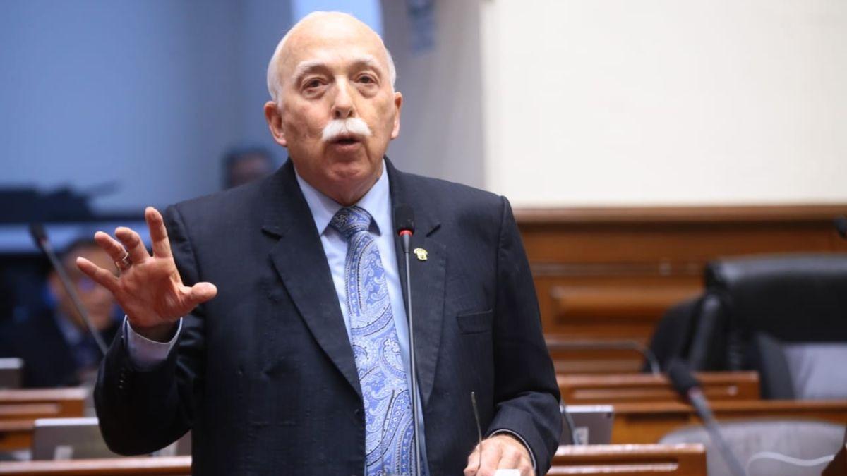 Carlos Tubino dijo que Vizcarra no está reconocimiento la labor del Legislativo.