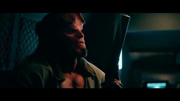 David Harbour nos presenta a un Hellboy mucho más rudo y a la vez hilarante.