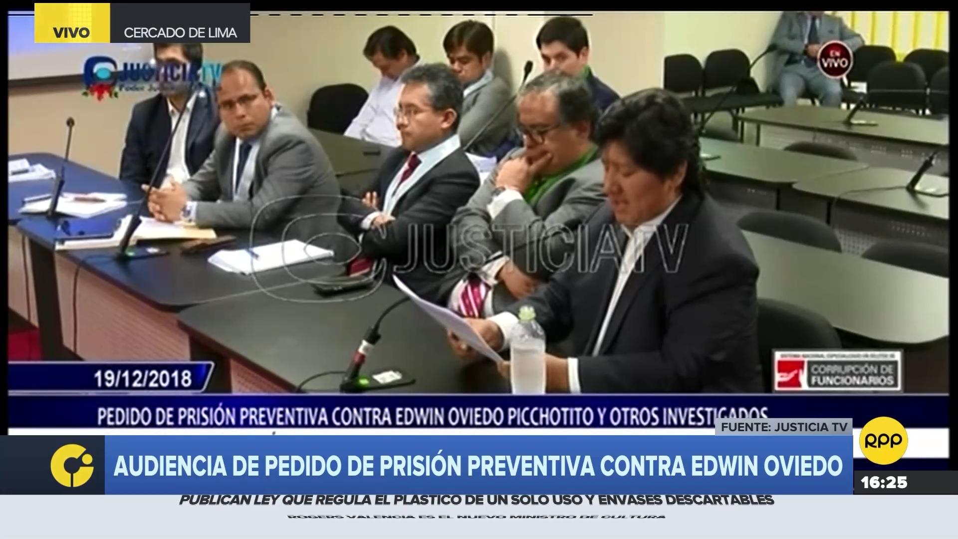 El expresidente de la Federación Peruana de Fútbol comentó que la entrega de entradas es una política que siempre existió en esa institución.