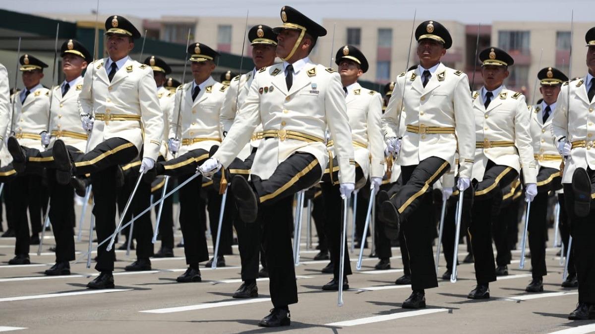 Vizcarra participó en la ceremonia central de graduación de los 294 cadetes de la Promoción 2019.