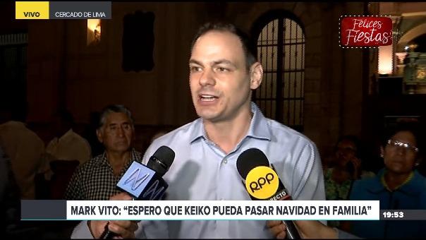 Mark Vito llegó a la iglesia Las Nazarenas en el Centro de Lima junto a Sachi Fujimori y la abogada Giulliana Loza.