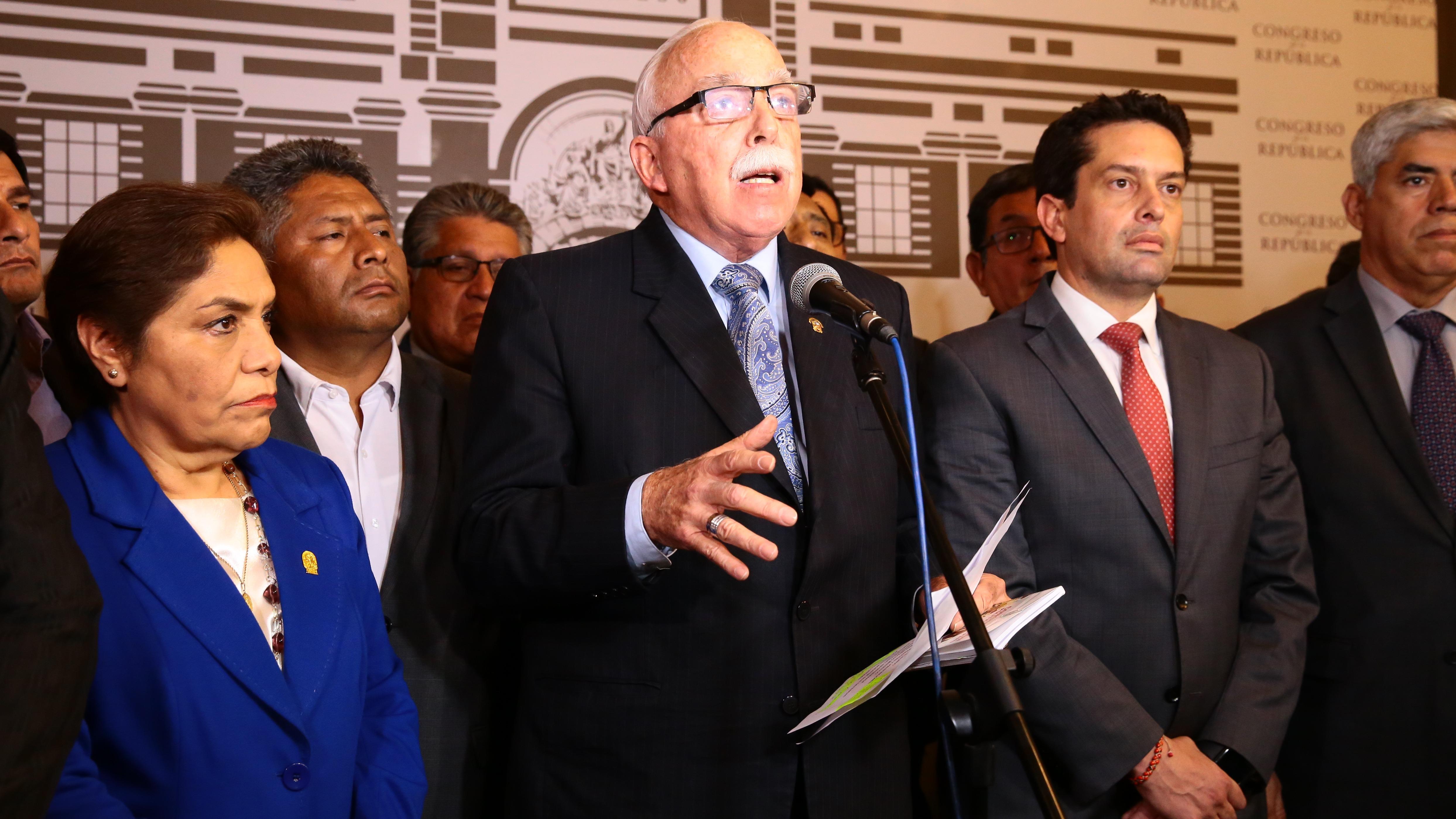 Carlos Tubino es vocero de Fuerza Popular.