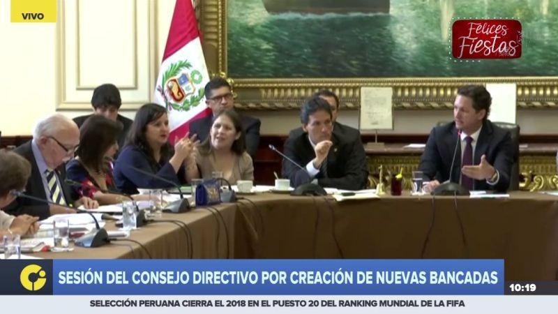 Daniel Salaverry y Alejandra Aramayo protagonizaron un tenso momento durante el debate.