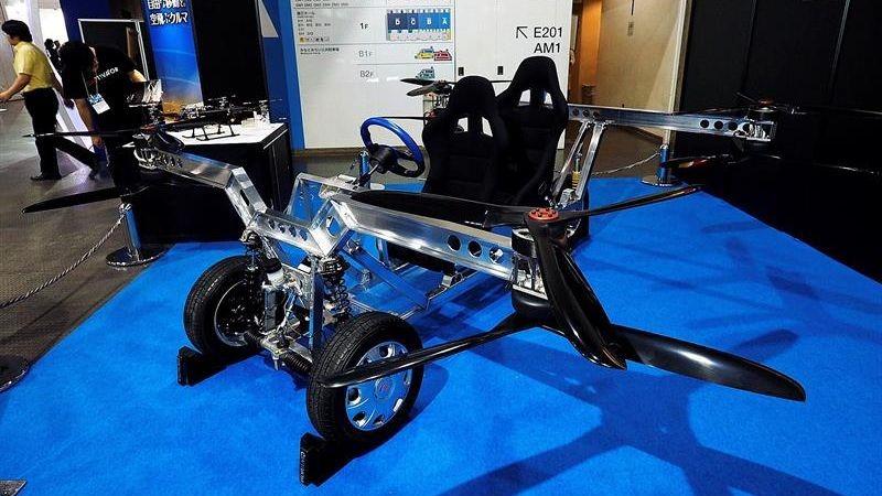 Unas 400 personas trabajan para la fabricación del coche volador Skydrive.