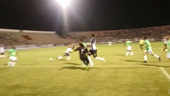 Gol de 'Peluquita' Saavedra