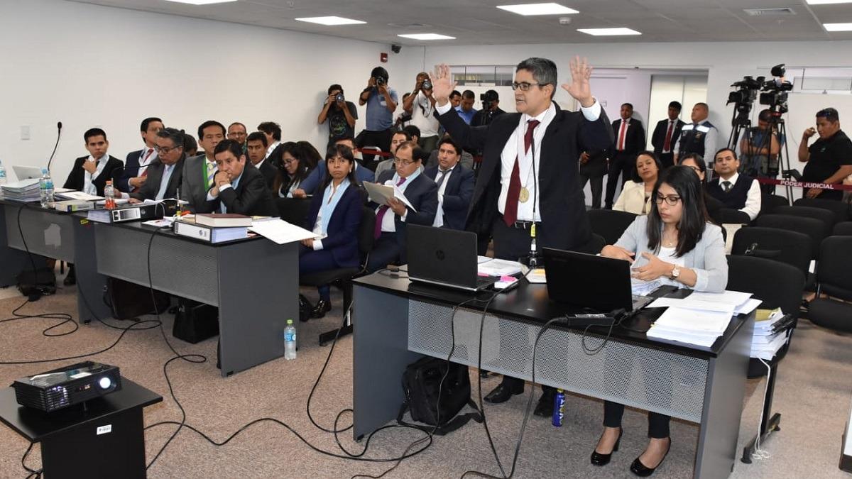 Fiscal Pérez sustenta su pedido ante el juez Richard Concepción Carhuancho.