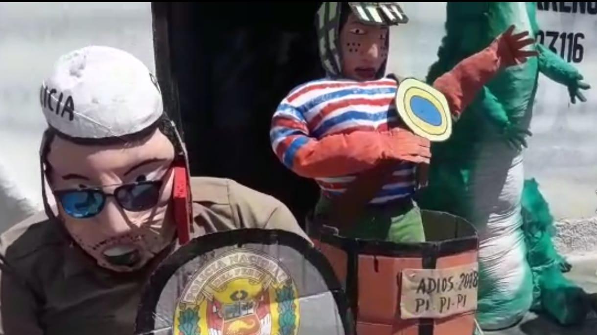 Venta de muñecos de paja