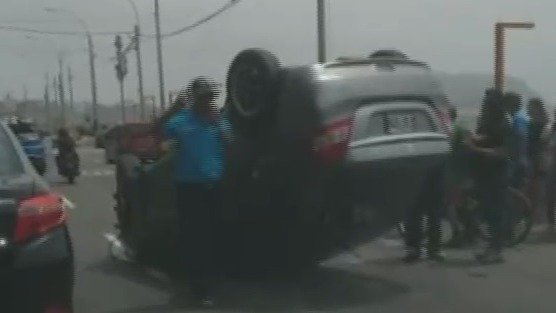 El accidente ocurrió frente a la playa Waikiki de Miraflores.